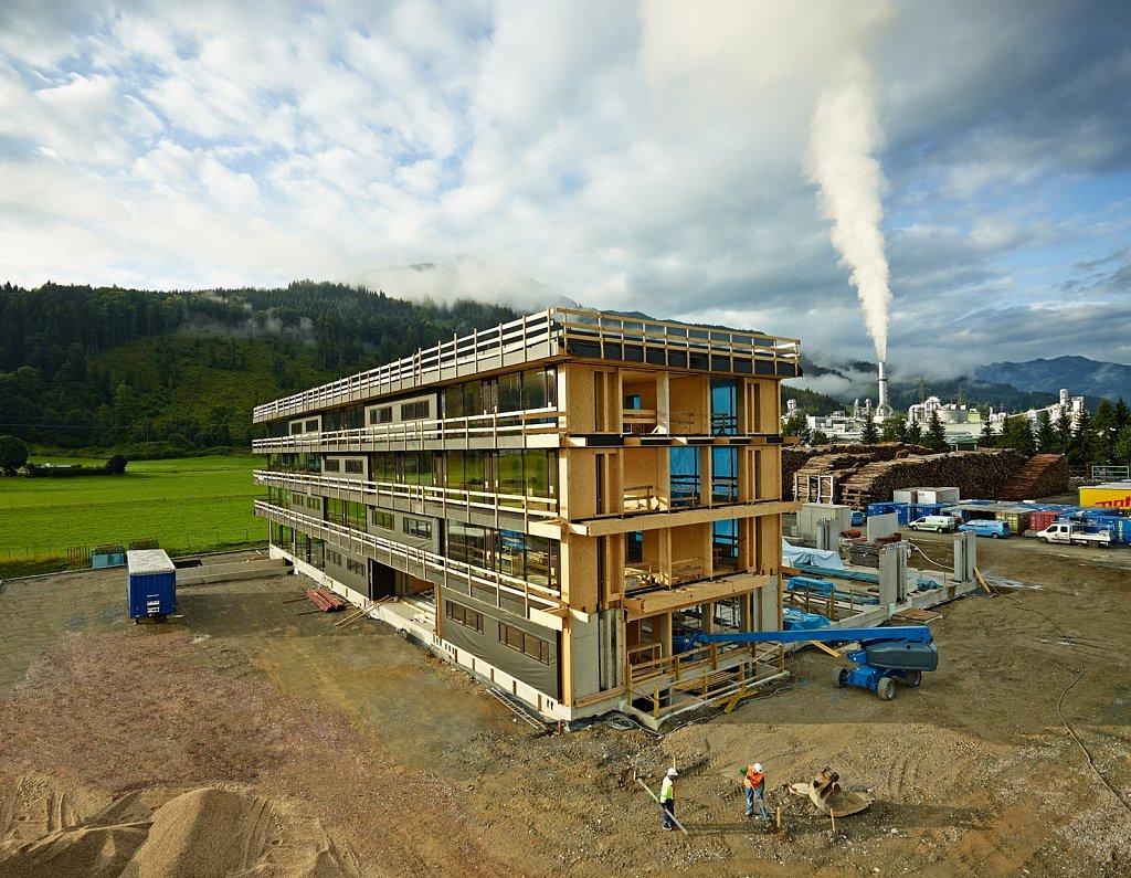 Industrie-EGGER-Holzbau-Baustelle.jpg