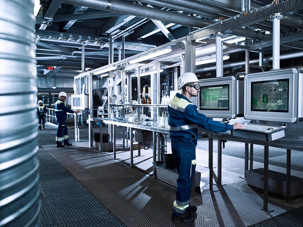 Industrie-EGGER-Rumaenien-Labor.jpg