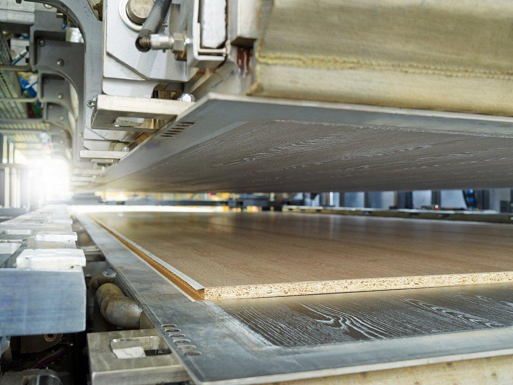 Industrie-EGGER-Super-KT-01.jpg