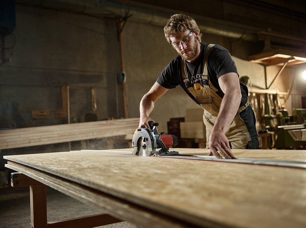 Industrie-Holzbau-Saurer.jpg