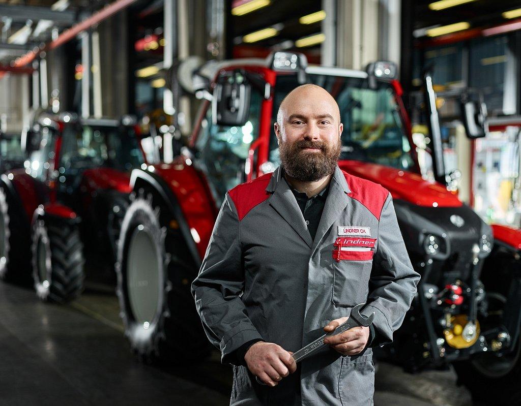 Industrie-Lindner-Traktoren-Produktion-02.jpg