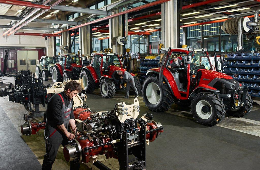 Industrie-Lindner-Traktoren-Produktion-03.jpg