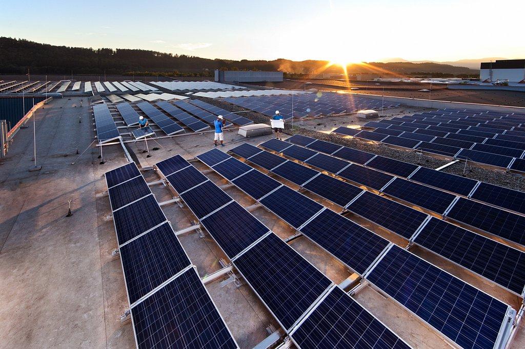 Industrie-Solar-Photovoltaikanlage-Selina-Technology-03.jpg