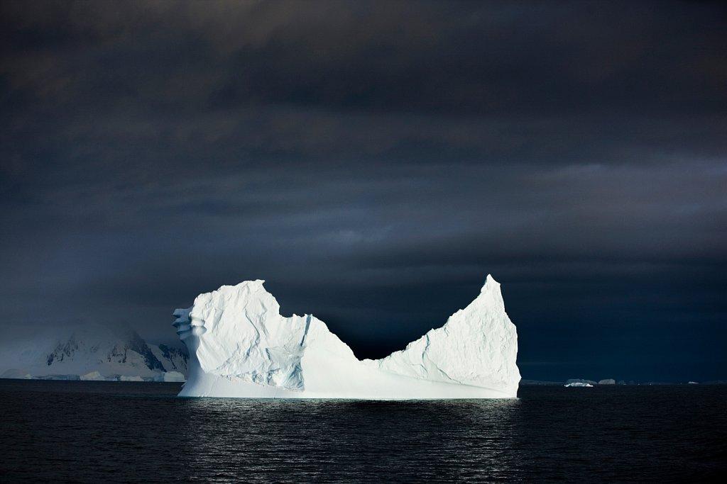 Antarktis-Eisberg.jpg