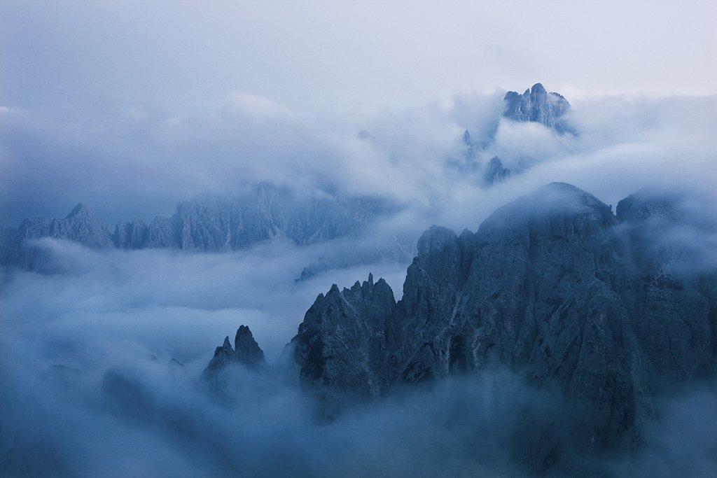 Dolomiten-Morgennebel.jpg
