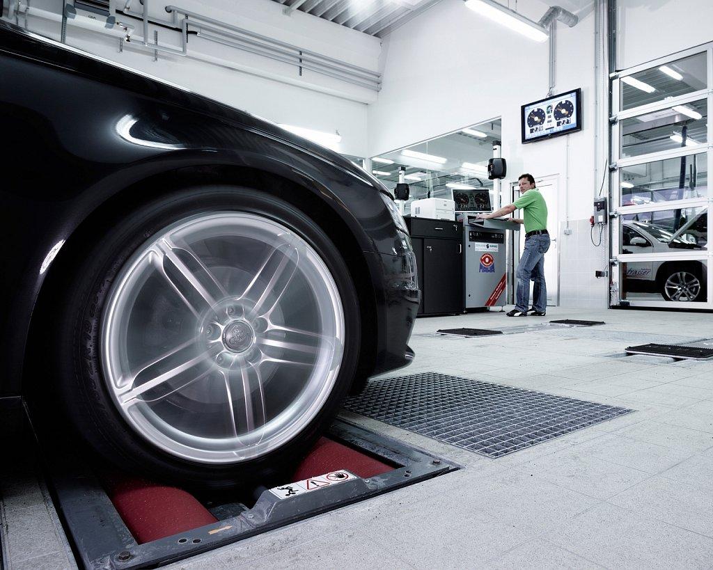 Industriefotografie-VW-Autohaus-Strasser-02.jpg