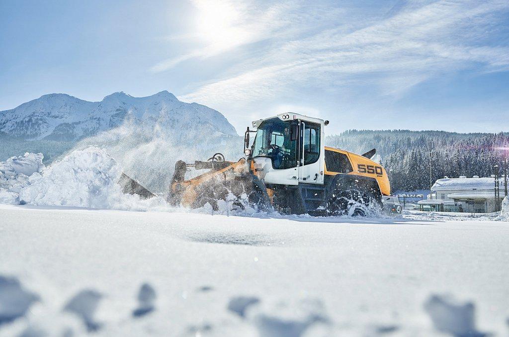 Liebherr-Maschinenring-Wintereinsatz.jpg
