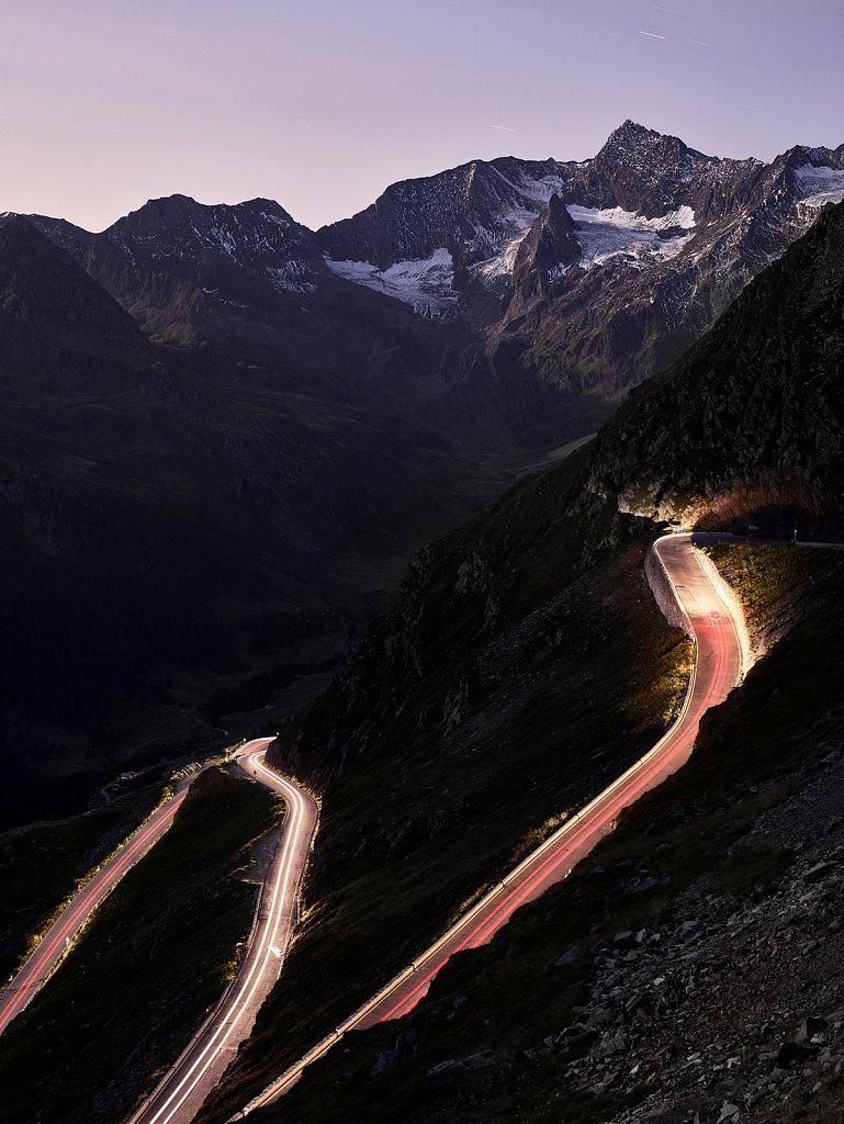 Land-Rover-Transportation-Timmelsjoch-Nachtaufnahme.jpg