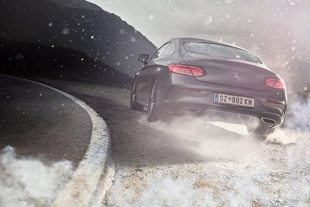 Transportation-Silvrettahochalpenstrasse-Mercedes-01.jpg