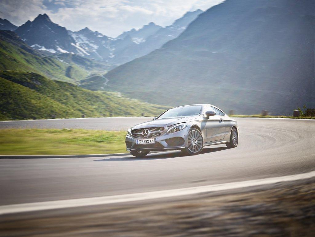 Transportation-Silvrettahochalpenstrasse-Mercedes-02.jpg
