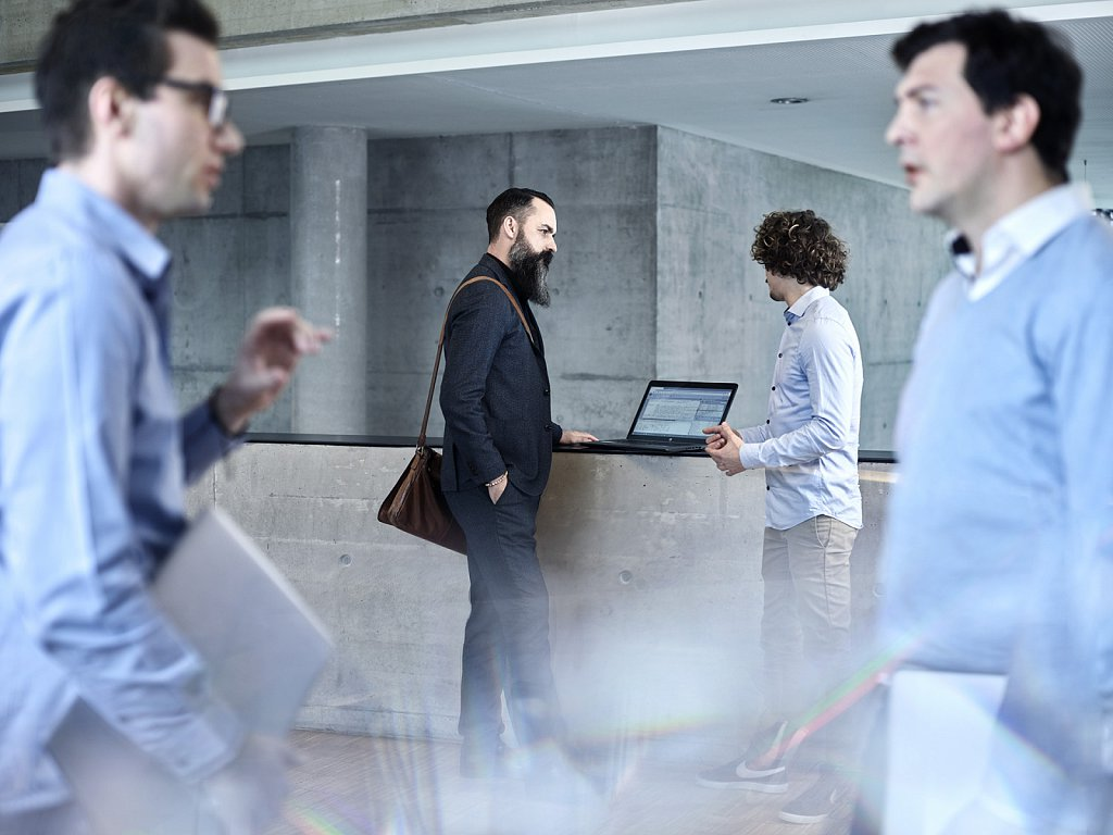 Corporate-Industriefotografie-Swarovski-Employer-Branding-Kampagne-04.jpg