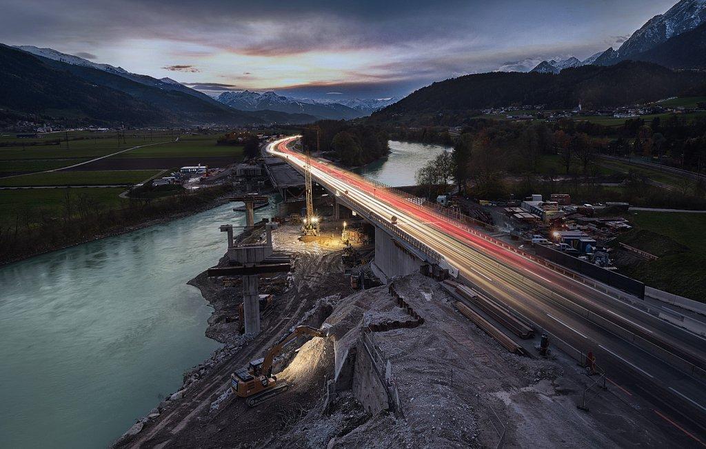 Industriefotografie-swareflex-baustelle-autobahn.jpg