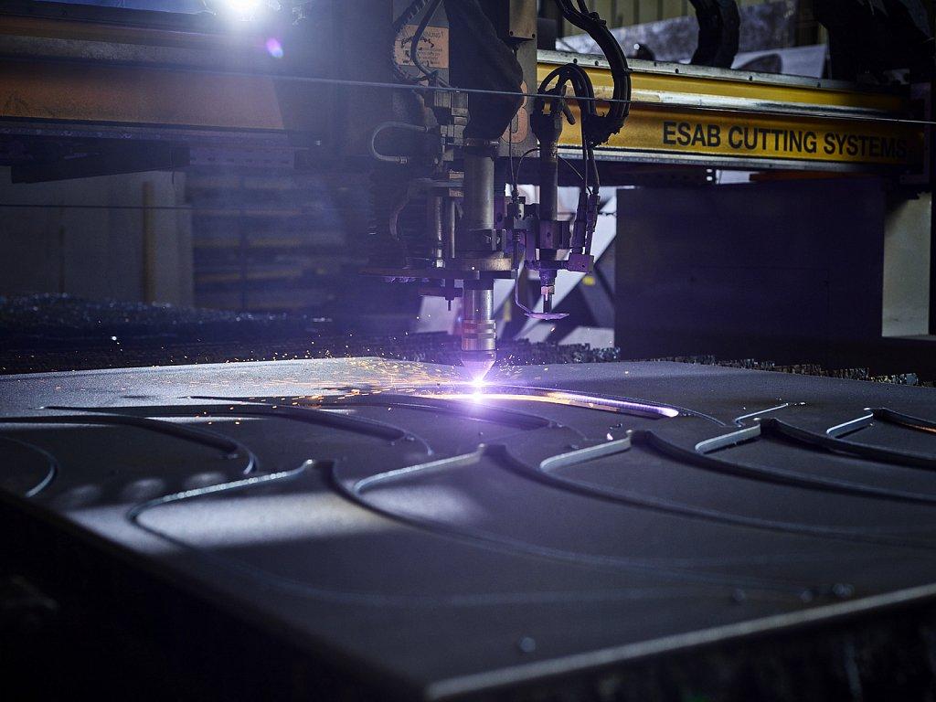 Thoeni-Anlagenbau-Lasercuter.jpg